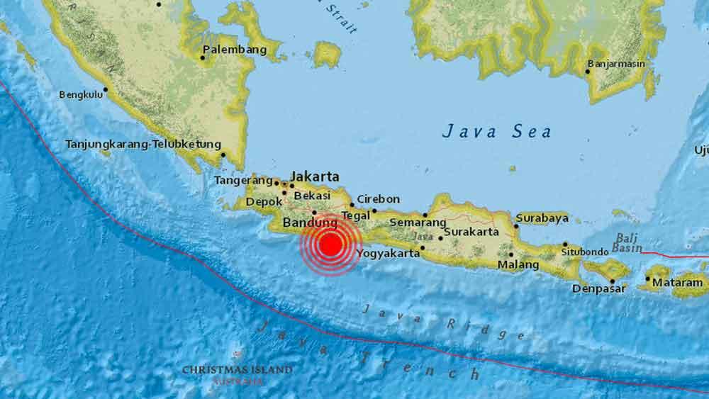 Fuerte sismo de magnitud 6,8 sacude Indonesia