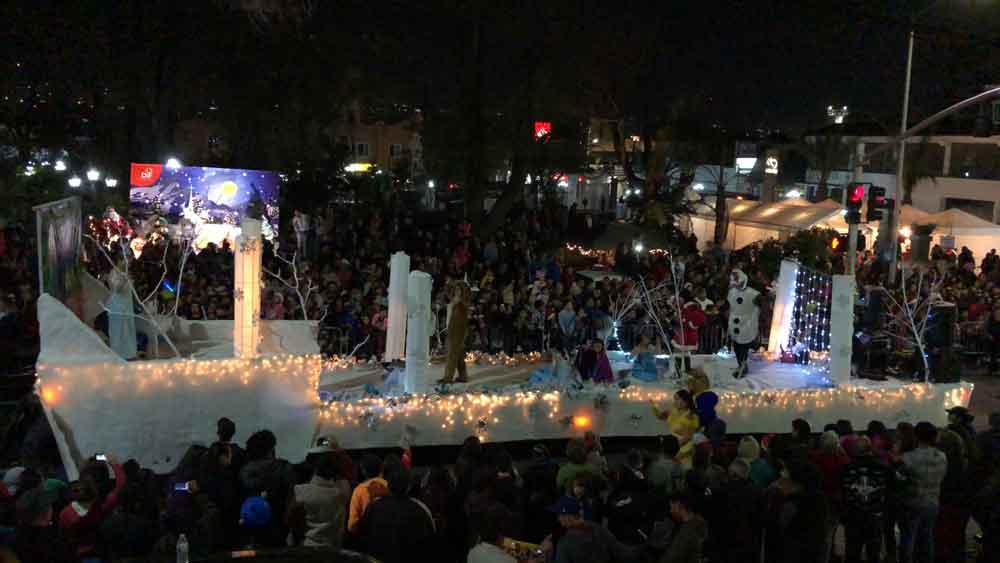 Tecate se llenó de color con el inicio del Festival Navideño 2017