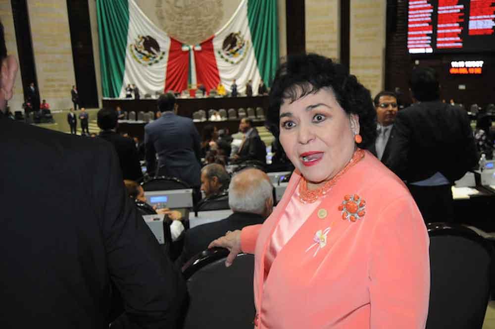 ¿Cuánto gana y qué ha hecho Carmen Salinas como diputada?