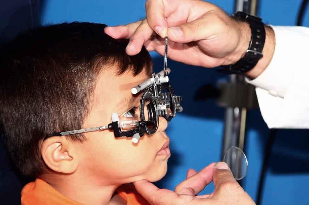 Recomienda IMSS examinar la vista de los niños