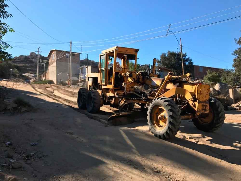 Realizan trabajos de motoconformado en el Rincón Tecate