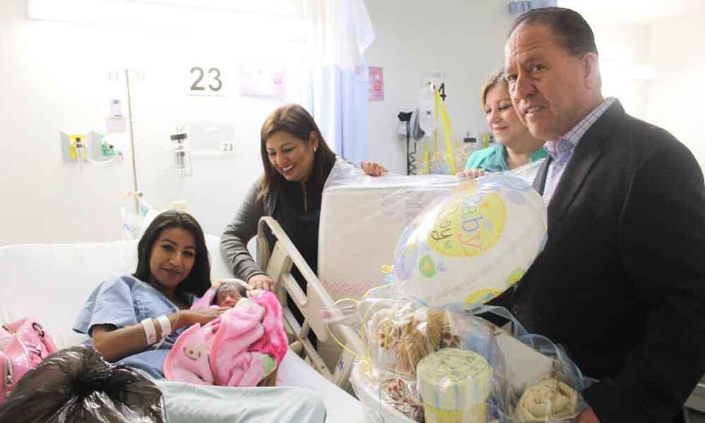 Isela, Kimberly y Esther, las primeras bebés que nacieron en Año Nuevo en Tecate