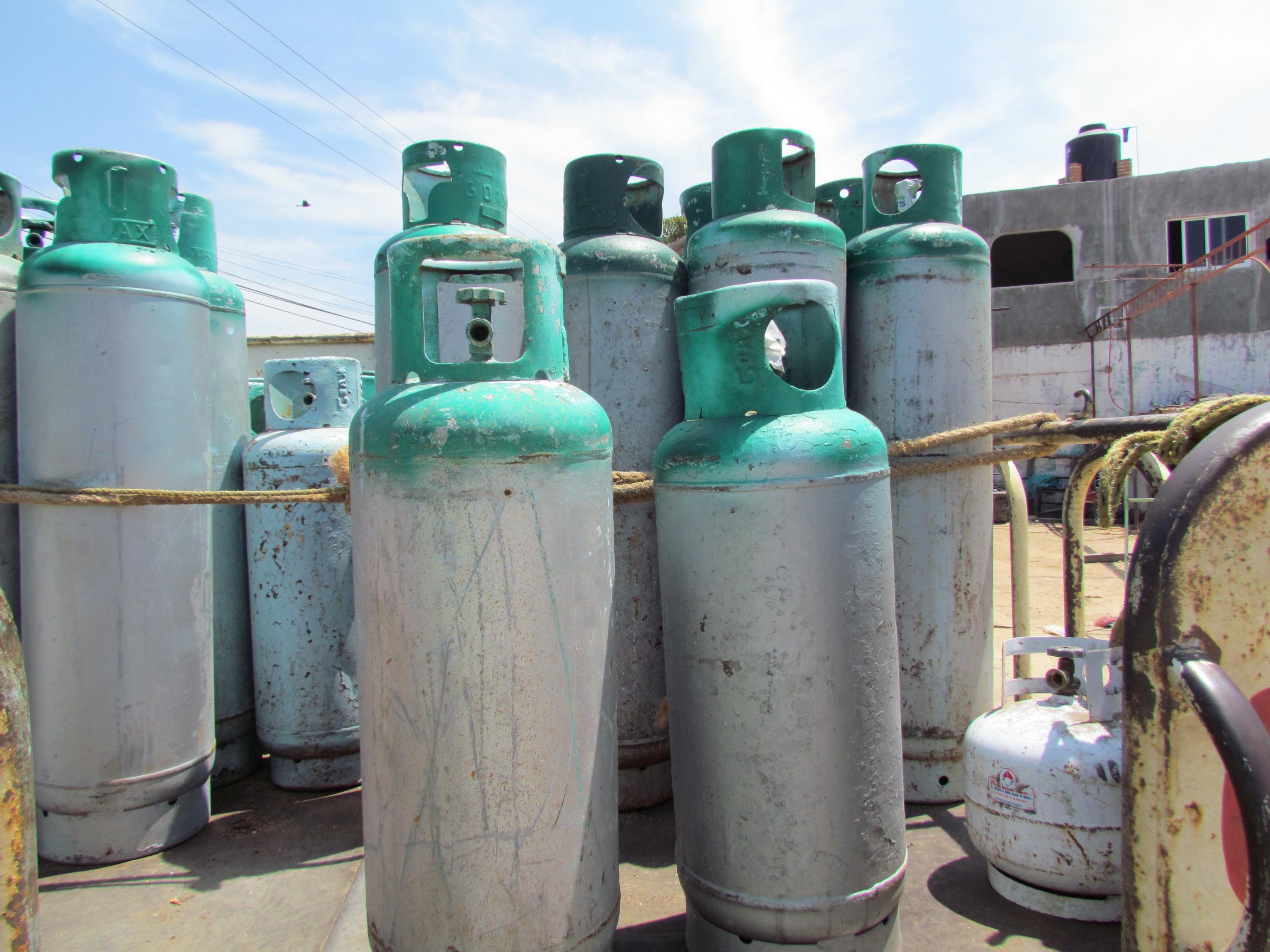 Tanque de gas se vende casi en mil pesos
