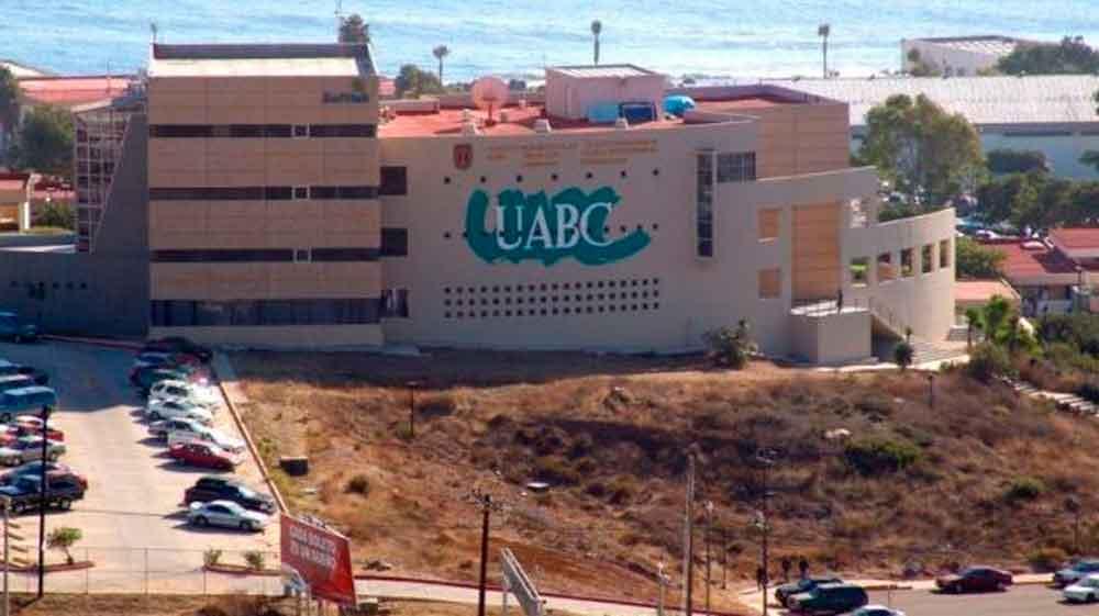 Quejas de empresarios por universitarios millennials en Baja California