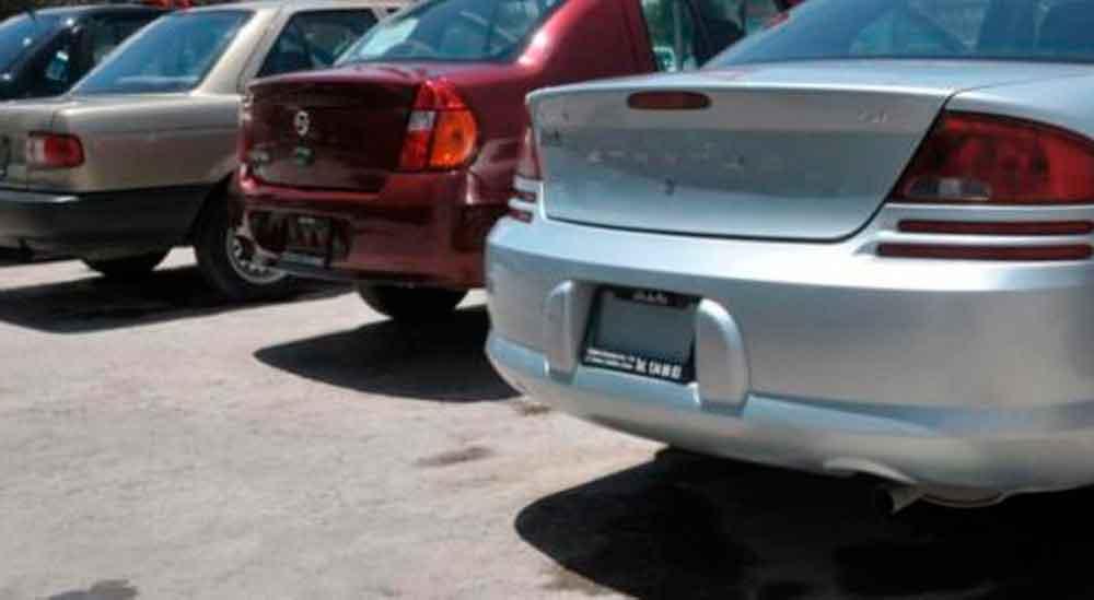 Insistirán en modificar decreto contra autos importados