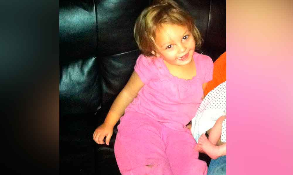 Muere niña tras ser atacada por perro pitbull que su familia acababa de adoptar