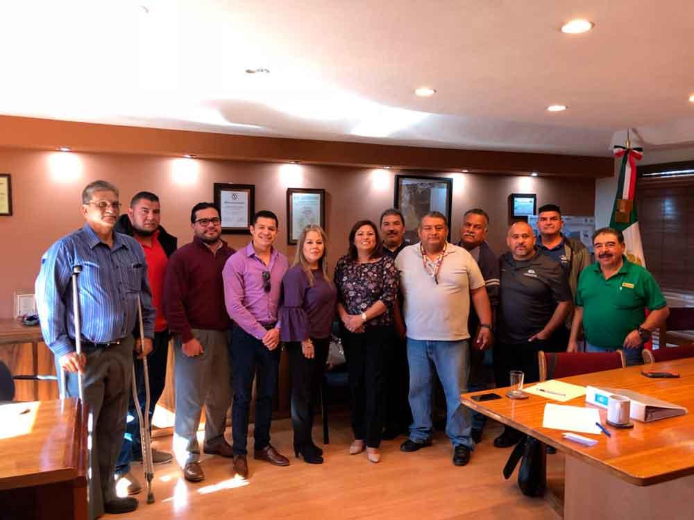 Alcaldesa sostiene reunión con líderes transportista de Tecate