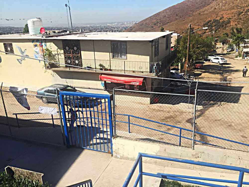 Reportan balacera frente a escuela de Tijuana