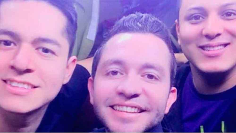 Aparece fantasma en selfie de Banda 'La Adictiva'