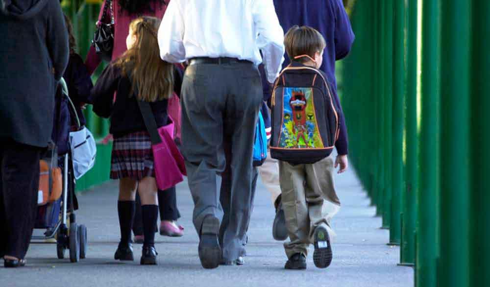 Hoy miles de alumnos regresan a clases en Tecate