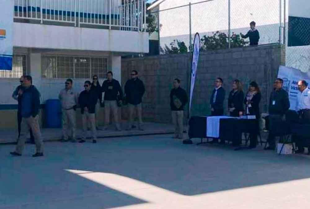 Brindan medidas de autoprotección a alumnos de secundaria en Tecate