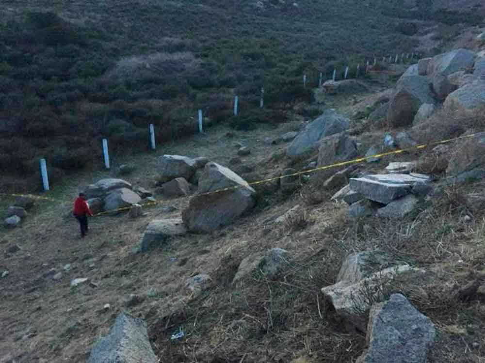 Localizan tres cadáveres en estado de descomposición en túnel de autopista Tijuana-Tecate