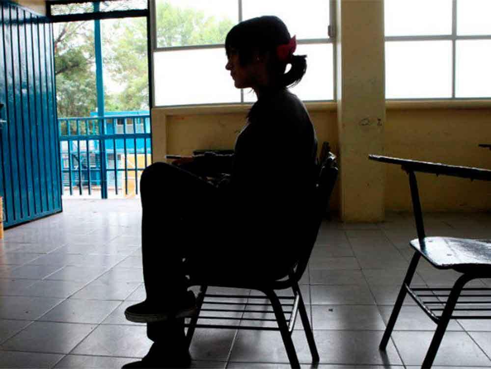 Alumna de secundaria se avienta de un segundo tras sufrir bullying