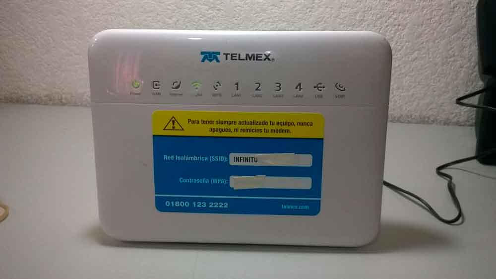 Falla deja sin Internet a miles en Baja California.