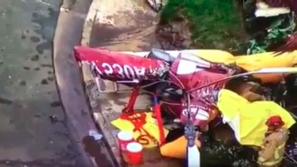 Helicóptero se estrella contra una casa en California; hay tres muertos
