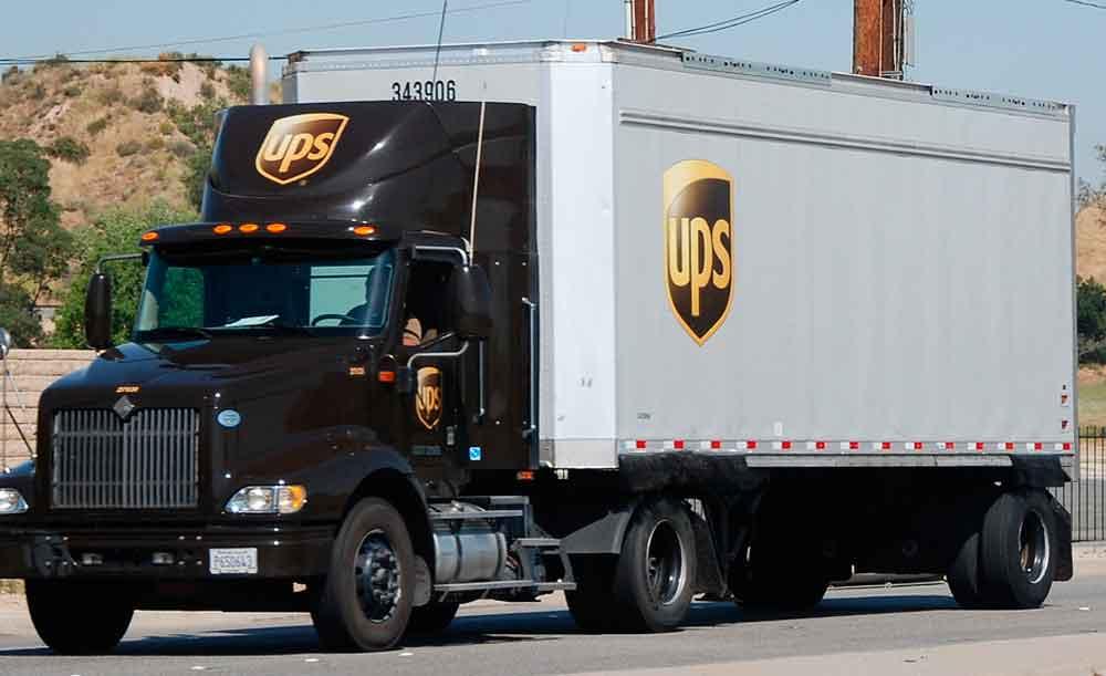 Localizan en San Diego a 77 inmigrantes ocultos en camión de UPS