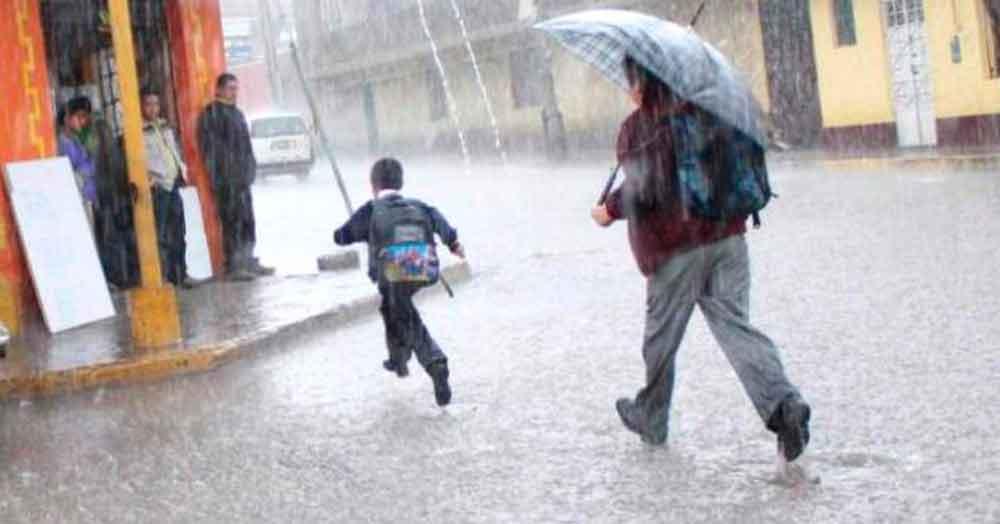 Tecate NO suspende clases por lluvias
