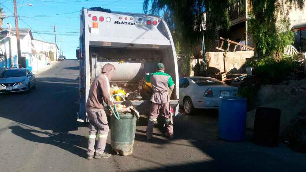 Restablecen servicio de recolección de basura en Tecate