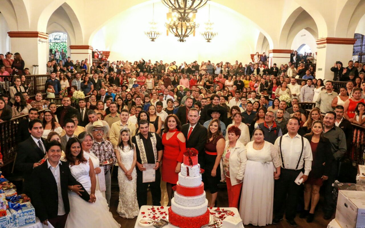 Se casan 517 parejas en Ensenada