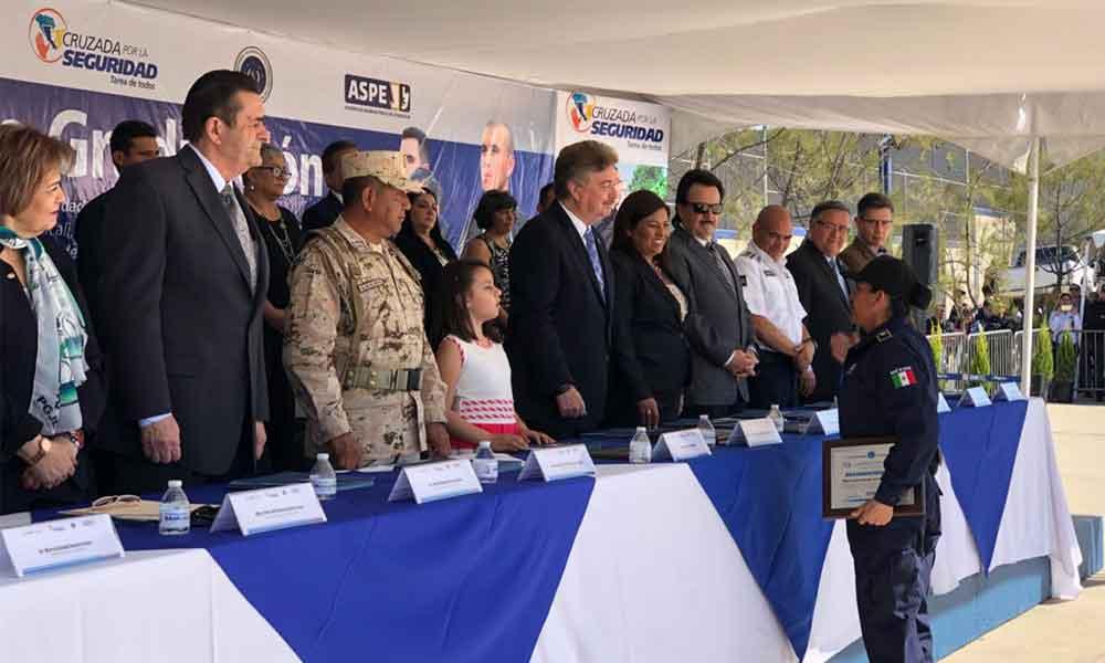 Egresan 225 nuevos cadetes que brindarán seguridad en los municipios de Baja California