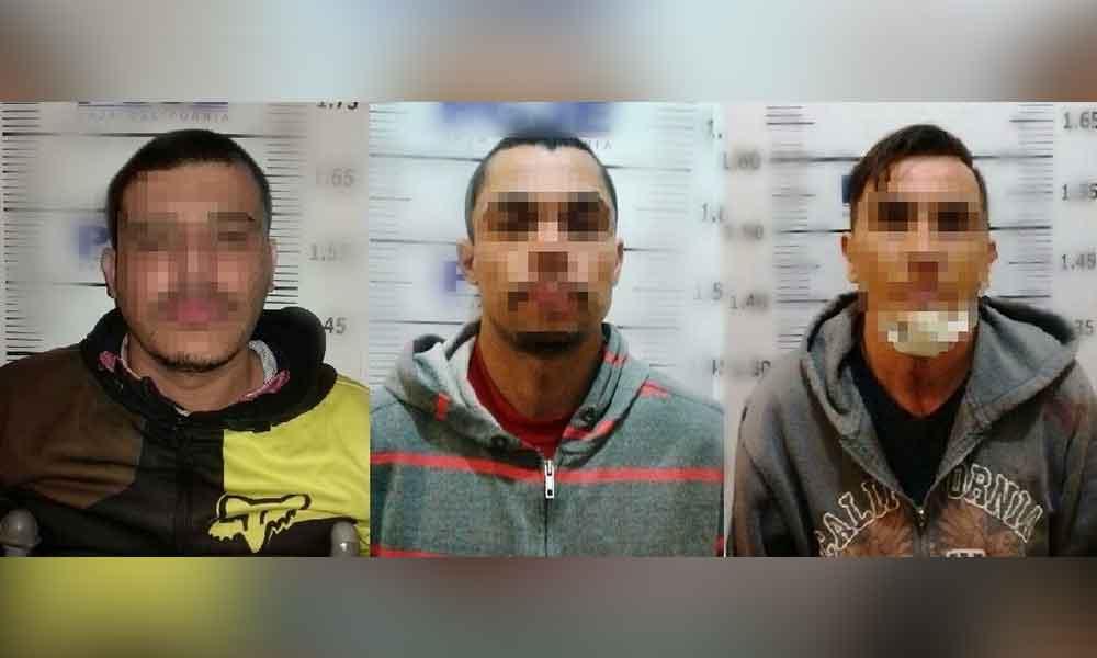 Asaltan farmacia en Tijuana y huyen en auto robado