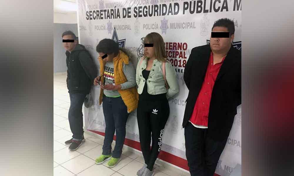 Capturan a cuatro jóvenes por negarse a pagar 2 mil pesos que consumieron en un bar