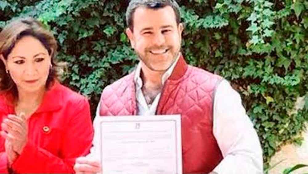 Eduardo Capetillo obtiene constancia para candidatura a Alcaldía