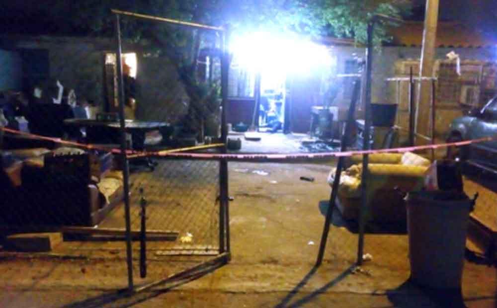 Asesinan a mujer en la puerta de su casa en Mexicali