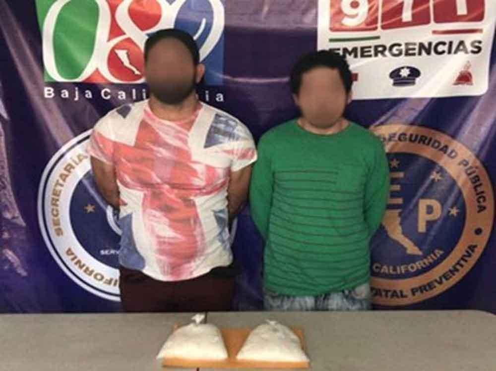 Capturan a dos presuntos narcomenudistas en Ensenada