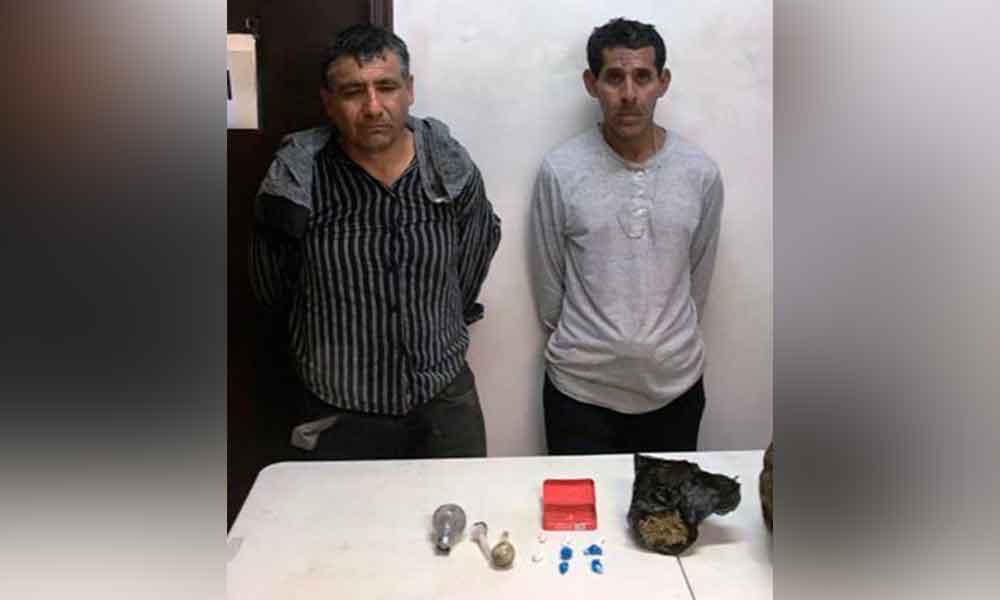 Aseguran a dos sujetos y decomisan droga durante cateo en Tijuana