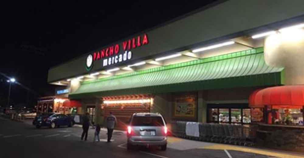 Cierran supermercado Pancho Villa en San Diego tras encontrar cucarachas y ratones en su almacén