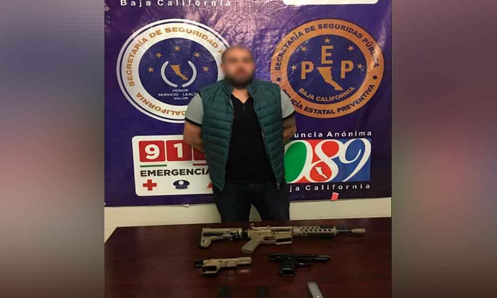 Capturan en Tijuana a presunto abastecedor de armas del crimen organizado