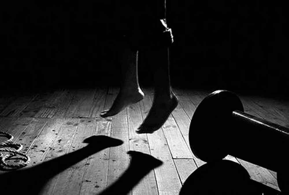 Investigan presunto suicidio de niño de 11 años dentro de un clóset