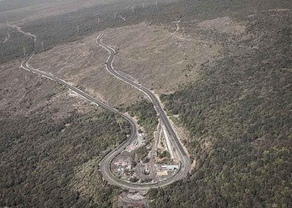 Así se ve desde el aire la carretera más peligrosa de México