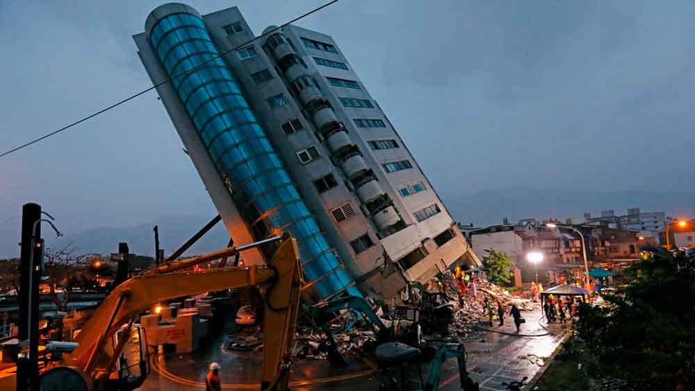 Al menos 7 muertos y 67 desaparecidos por sismo en Taiwán