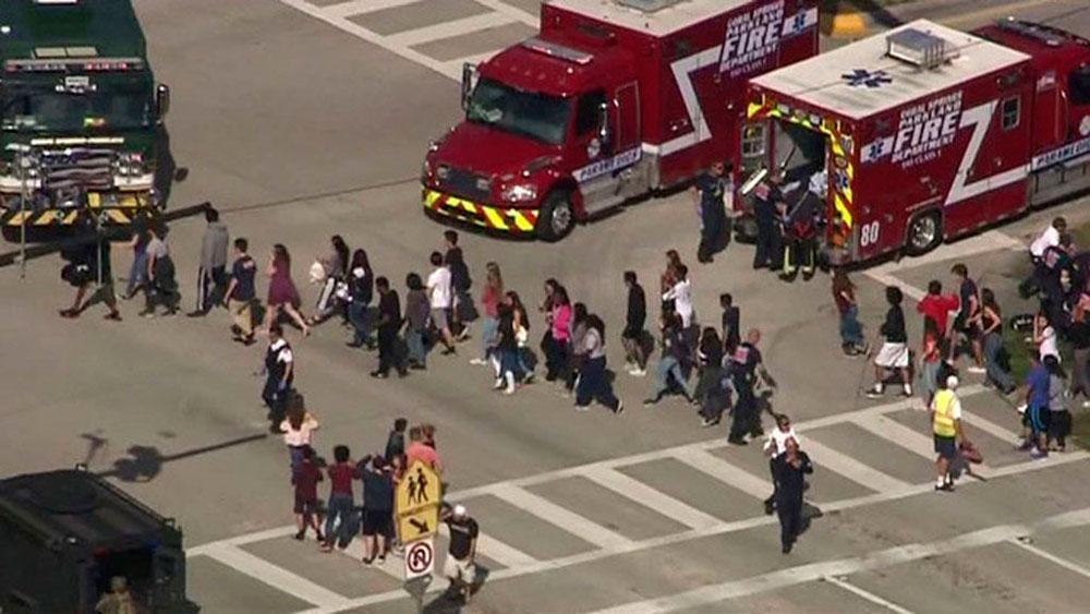 Las desgarradoras fotos del tiroteo en escuela de Florida