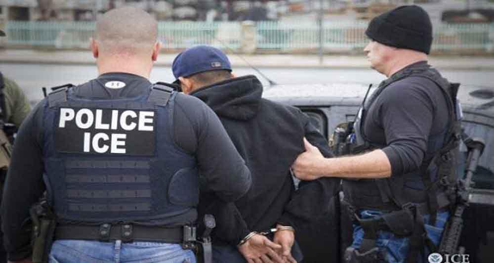 Agentes de migración están haciendo redadas vestidos de civil en San Diego.