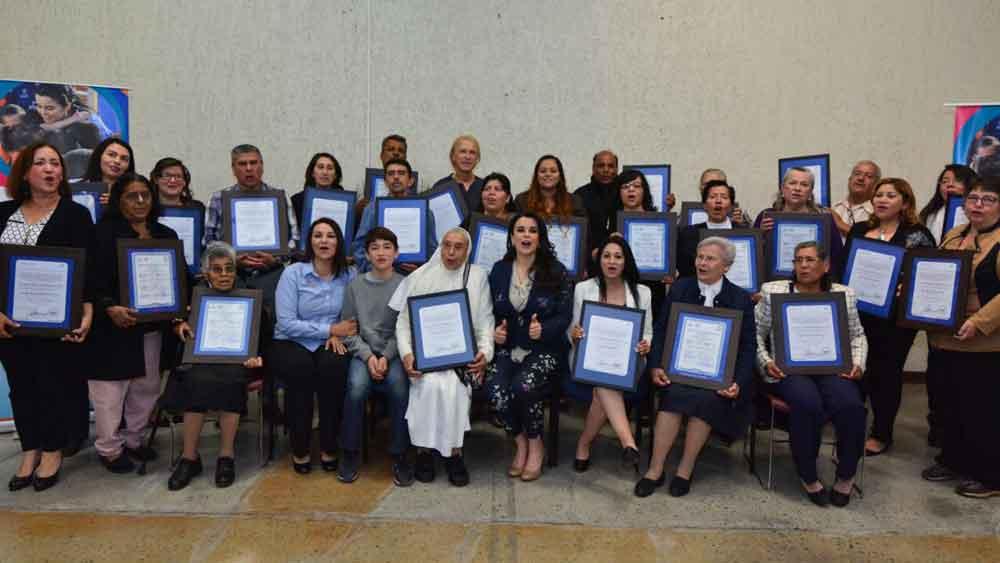 Entregan 9 licencias y 20 registros Nacionales a centros de Asistencia Social en Baja California