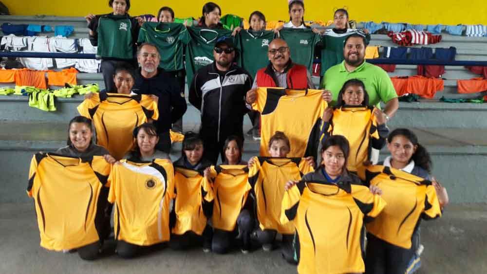 El Instituto del Deporte Municipal uniformó a 720 niñas y niños