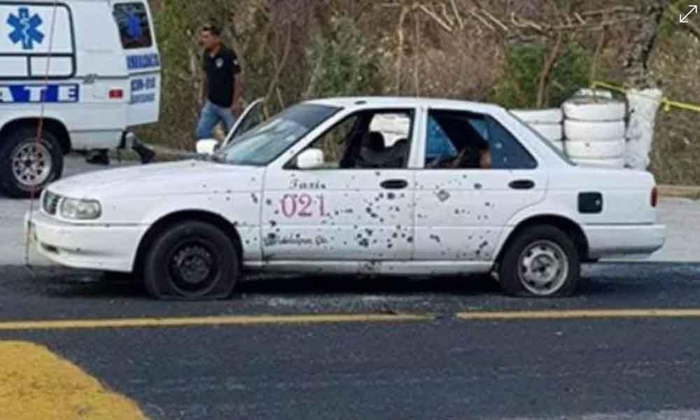 Matan dos mujeres en carretera de Guerrero