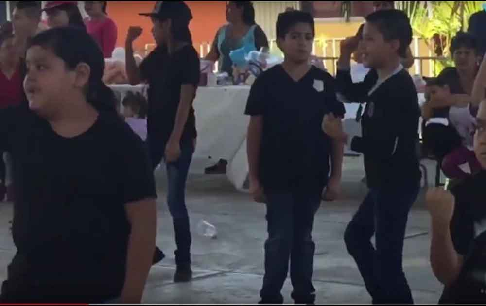 "Niño se niega a bailar ""Scooby Doo pa pa"""