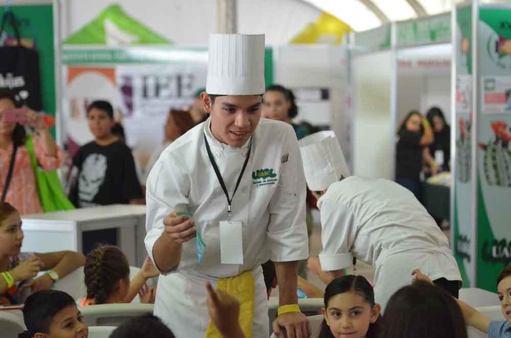 Ofrece FIL UABC talleres gastronómicos y muestra de cine