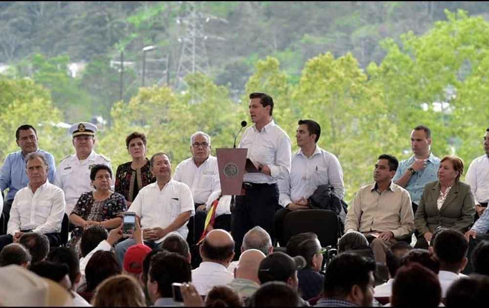 Peña Nieto asegura que mexicanos pagarían deuda de Pemex si se cancela reforma energética