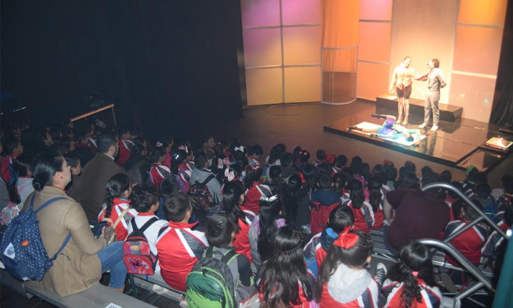 """Semana de teatro escolar con la puesta en escena """"Siro Uan"""" en CEART Tecate"""