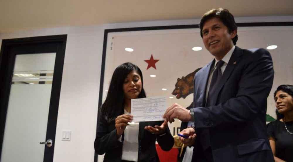 Una abogada de origen Oaxaqueño hace historia al ser nombrada asesora en el Senado de California