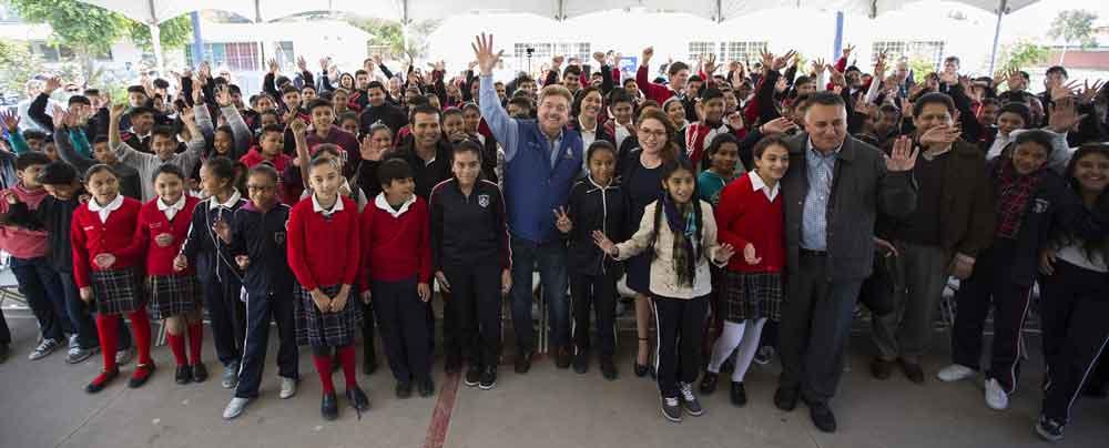 Invertirán más de 900 MDP en infraestructura educativa, cultural y deportiva en Baja California