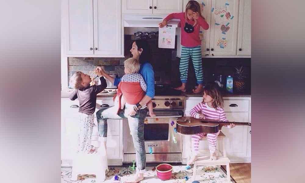 La maternidad es lo mismo que trabajar 2 empleos de tiempo completo