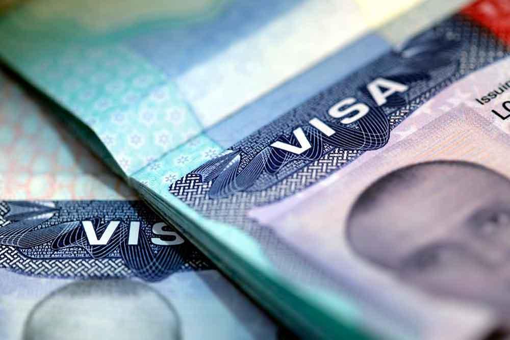 Trump reduce los visados y deja sin trabajo a miles de inmigrantes
