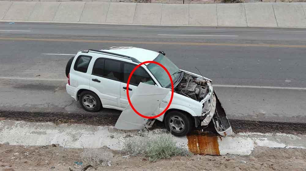 Captan supuesta aparición de niño en auto accidentado en Sonora