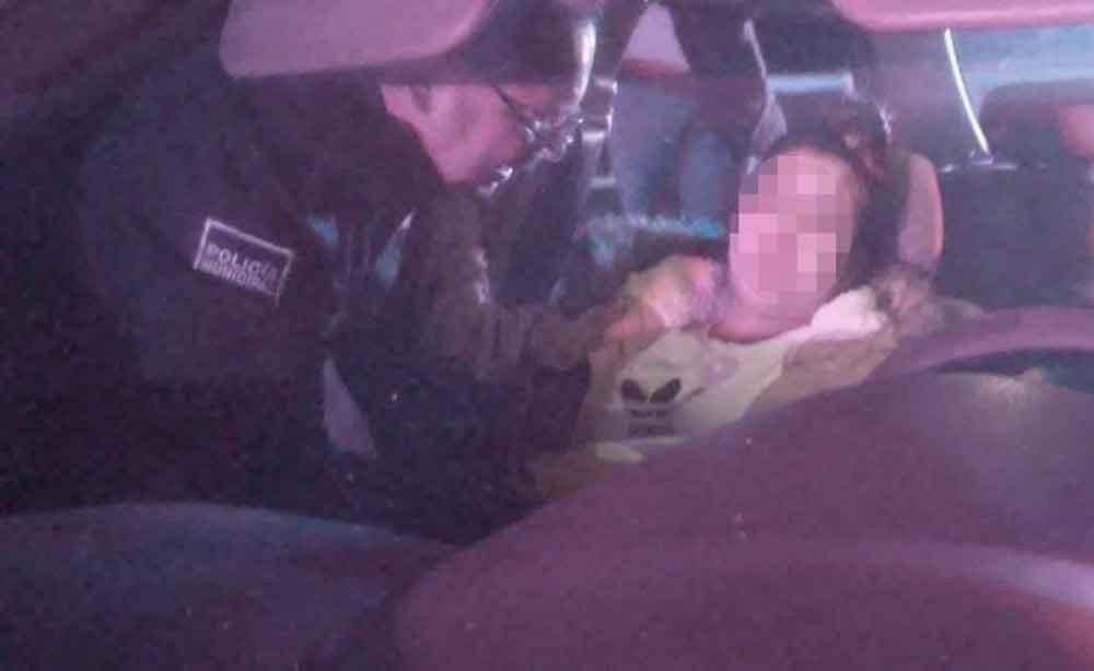 Oficial de Policía Comercial atiende parto en Tijuana